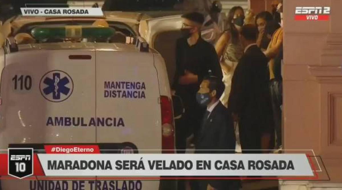 马拉多纳遗体被送到阿根廷总统府举行特殊的告别仪式。-今球app官网