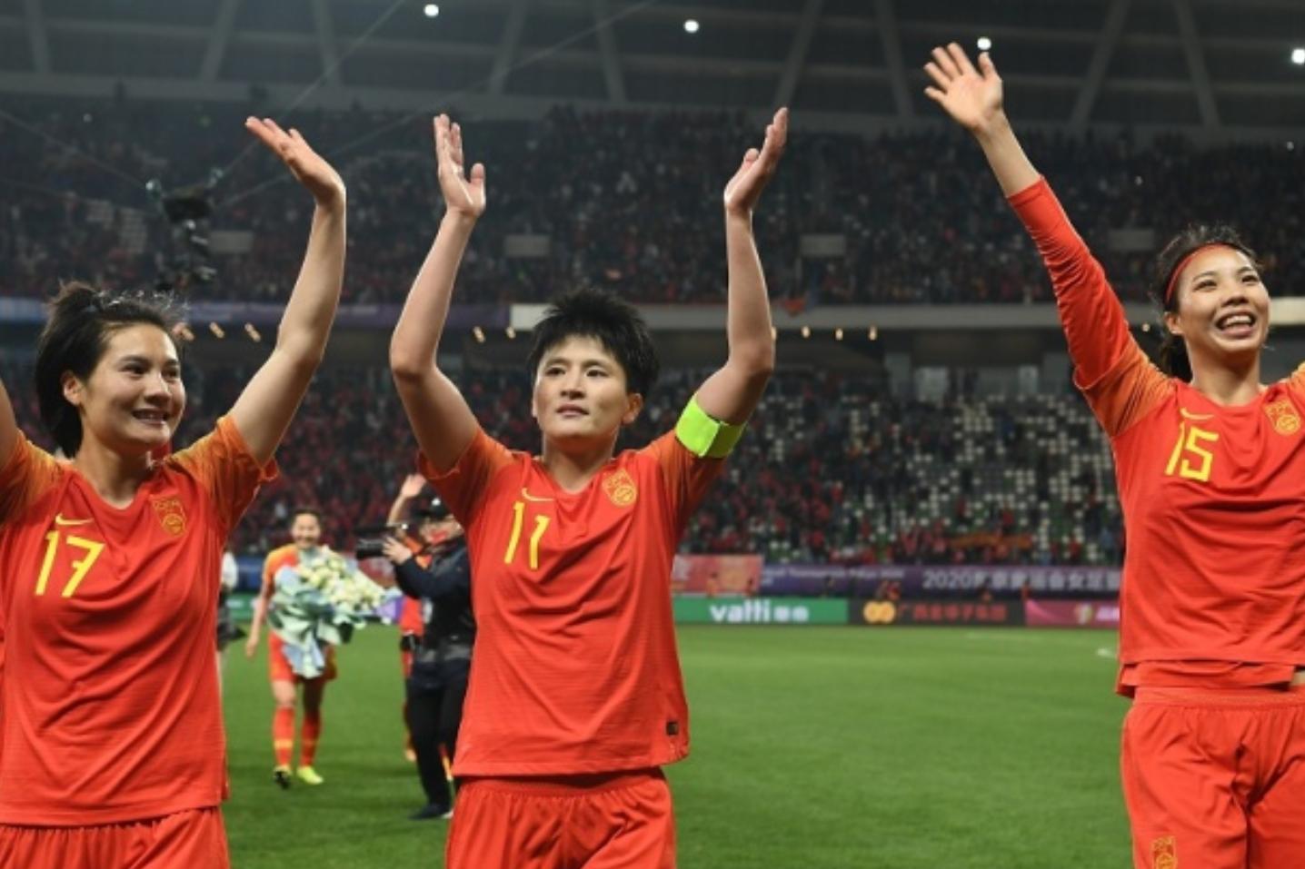 足球报:女足0-2落后时,陈戌源曾在中场休息时到更衣室为球员打气-今球app官网