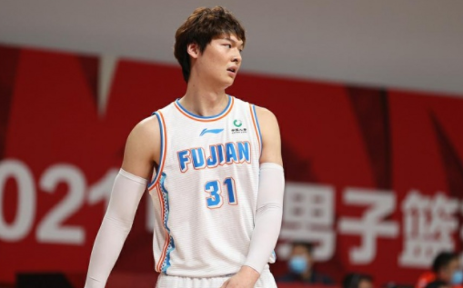 媒体人:上海送出区俊炫+选秀权 得到王哲林-今球app官网